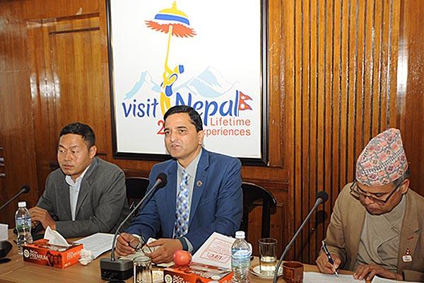माननीय मन्त्रीजूको उपस्थितिमा नेपालमा क्रियाशिल गैह्र सरकारी संस्था महासंघका प्रतिनिधिहरुसँग भ्रमण बर्ष २०२० मा पर्यटन प्रवर्द्धन सम्बन्धी विविध विषयमा भएको अन्तरक्रियाका तस्वीरहरु-मिति २०७६-८-१०